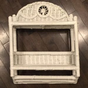 Wicker bathroom towel rack